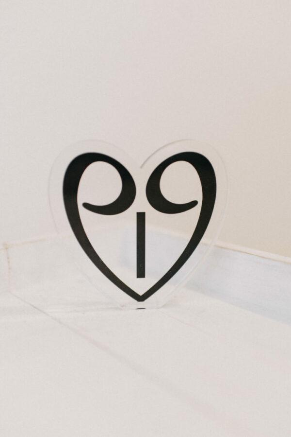 '19 lucky charm heart Plexiglas