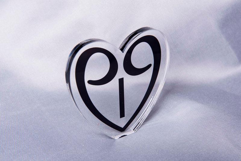 2019 Plexiglas lucky charm heart